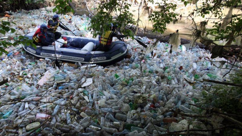 Пластични отпад